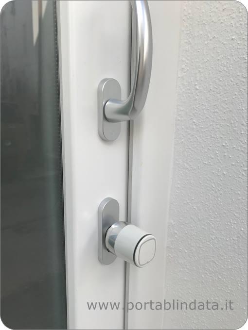 cilindro elettronico installato su serramenti pvc